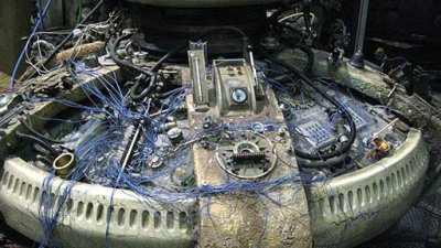 A dead TARDIS console